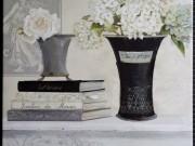 A44-Black & Grey Vases w/flowers